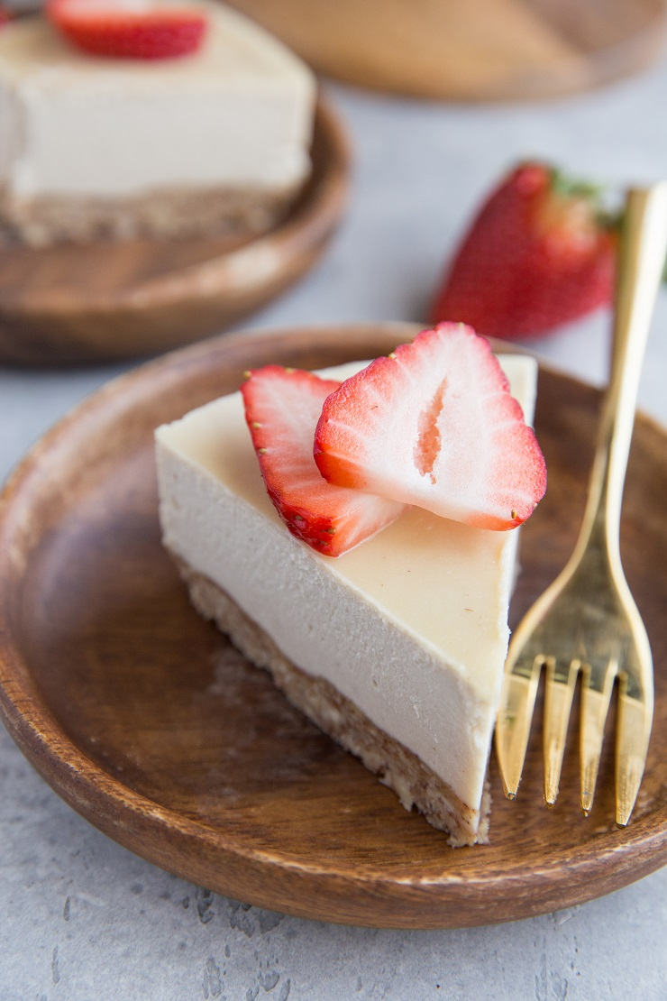 The BEST Paleo Cheesecake Recipe - an easy, creamy dairy-free, paleo cheesecake made with basic whole food ingredients