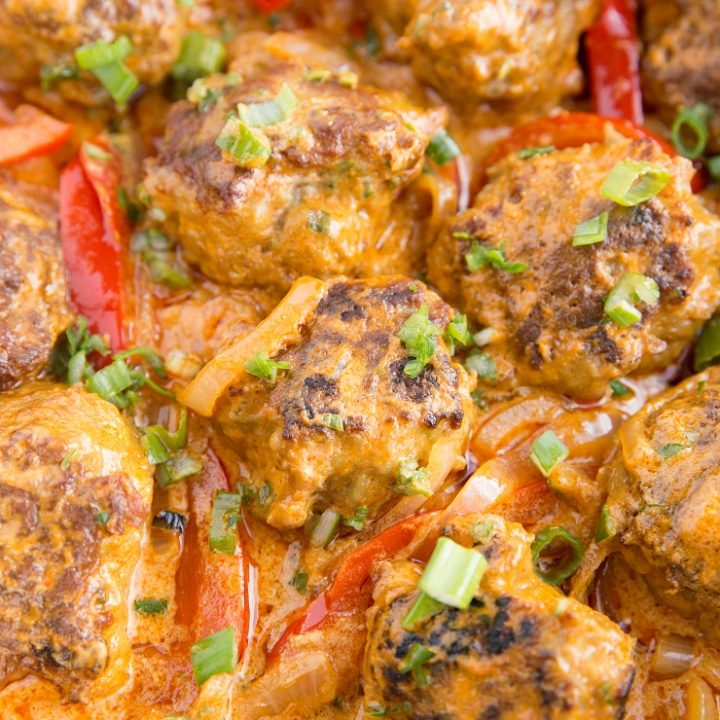 Thai Turkey Meatball Curry - amazing, tender meatballs in a creamy coconut milk red curry sauce. Easy and delicious!