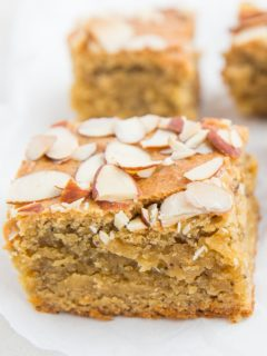 Paleo Lemon Poppy Seed Blondies - grain-free healthy blondies made with almond flour and pure maple syrup - a delicious nutritious dessert recipe