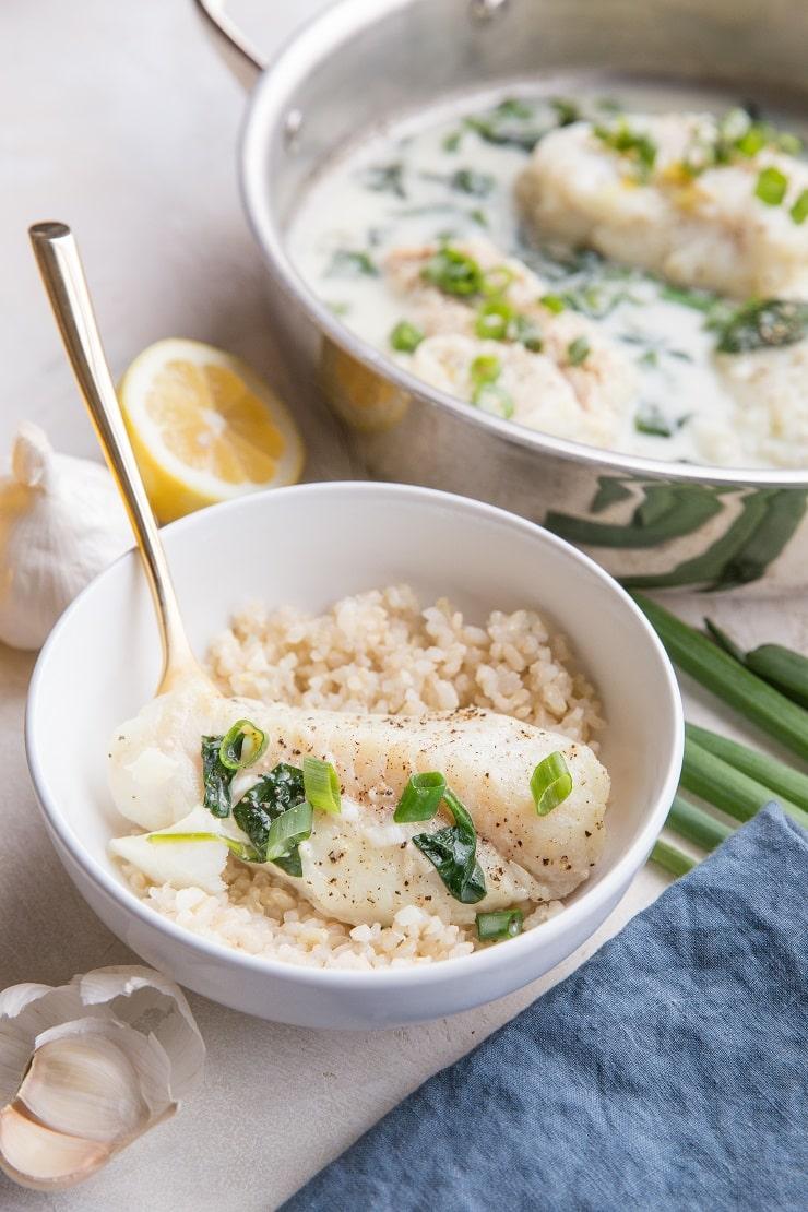 Easy Creamy Lemon Garlic Cod recipe - low-carb, keto, easy healthy dinner recipe