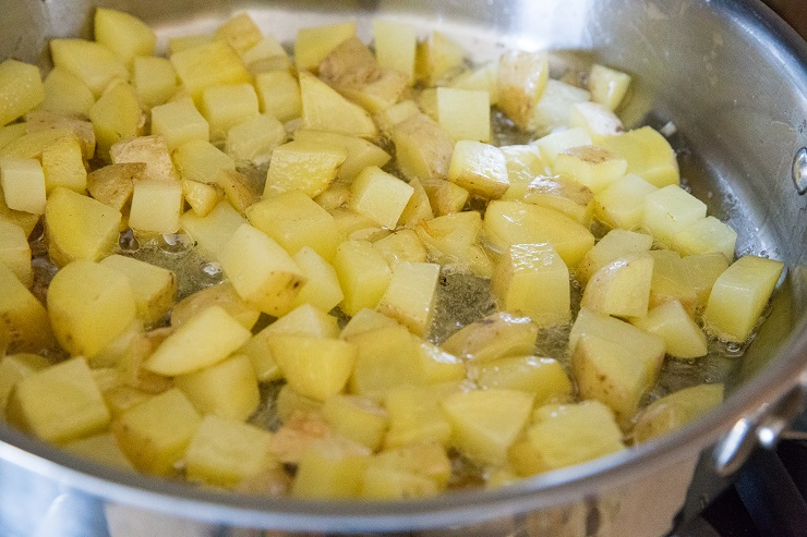 How to make a spanish omelette - pan-fry the potatoes