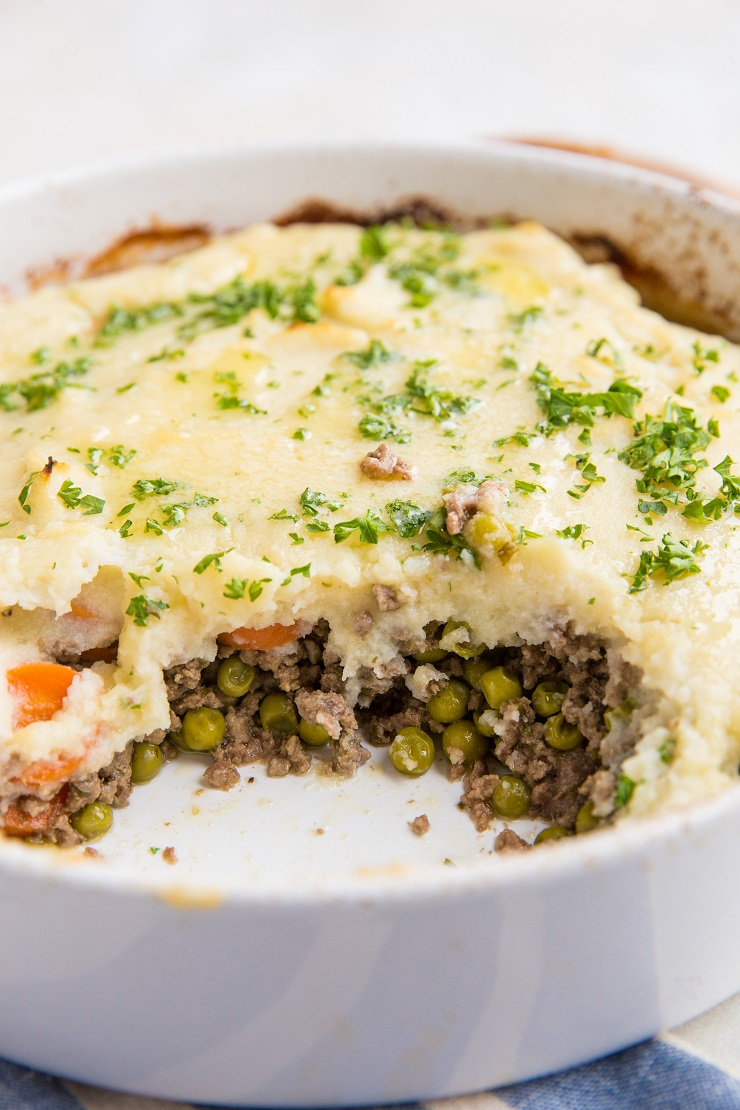 Cottage Pie with Cauliflower - easy Cottage Pie recipe made low-carb and keto using cauliflower mash instead of mashed potatoes