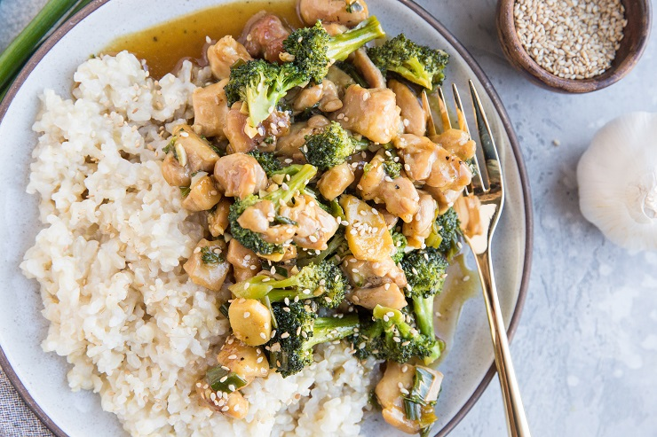 Easy 30-Minute Paleo Mongolian Chicken recipe made with a handful of basic ingredients. Healthy, flavorful, delicious dinner recipe
