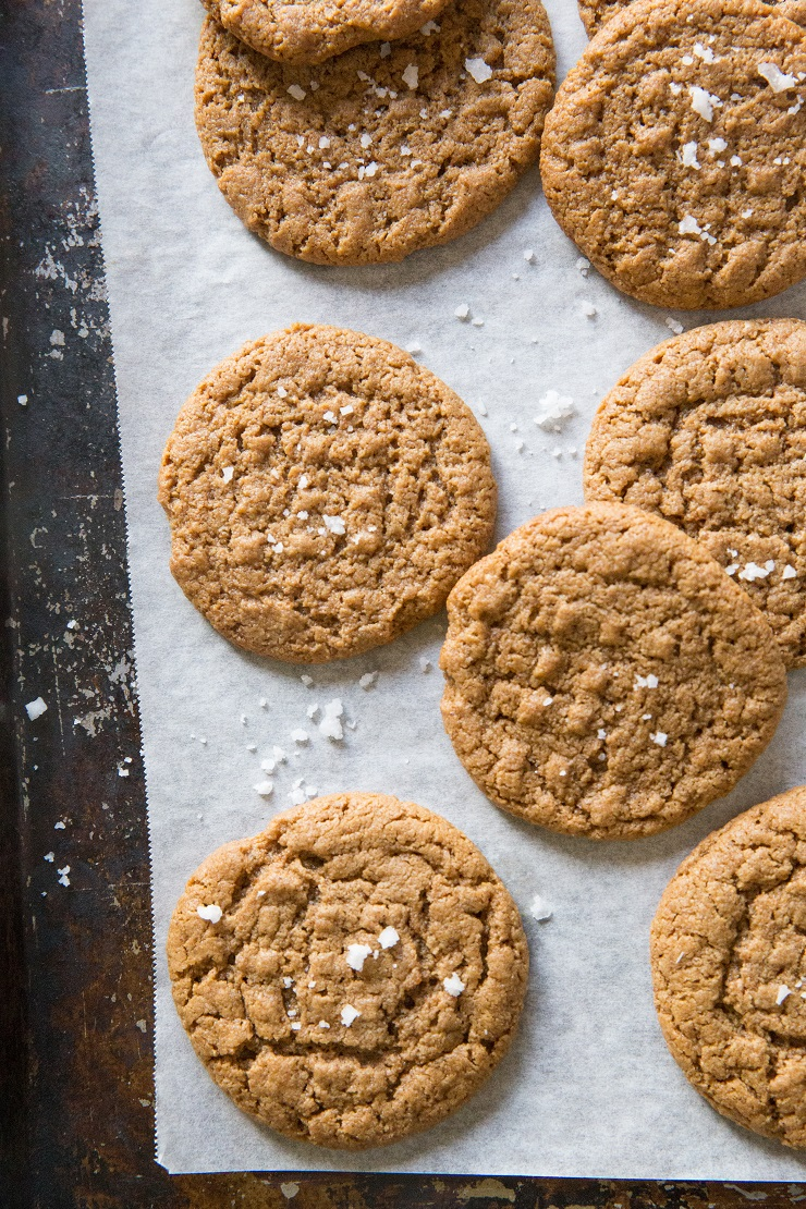 Easy 4-Ingredient Paleo Almond Butter Cookies made flourless, dairy-free and refined sugar-free.