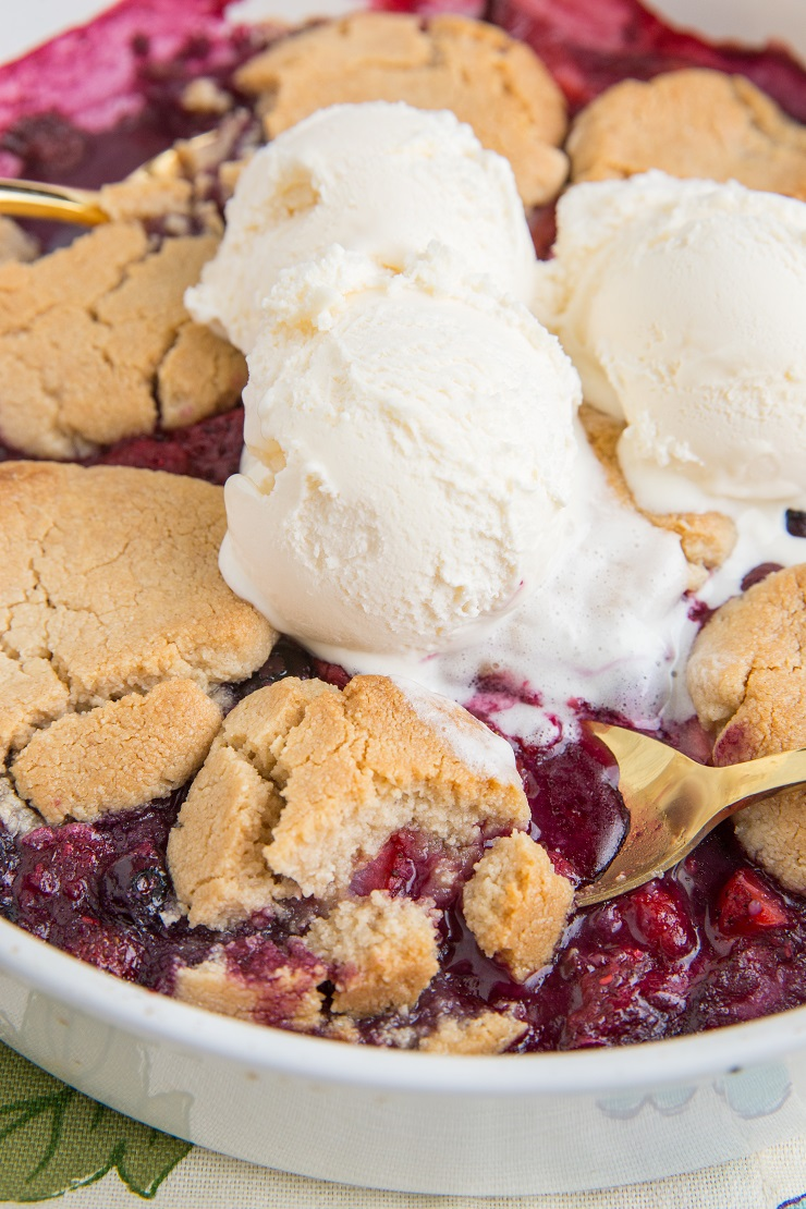 Low-Carb Mixed Berry Crumble made with only 8 basic ingredients. Easy to prepare, sugar-free, dairy-free, and grain-free