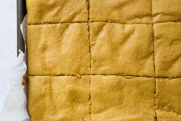 Sliced sheet pan pancakes