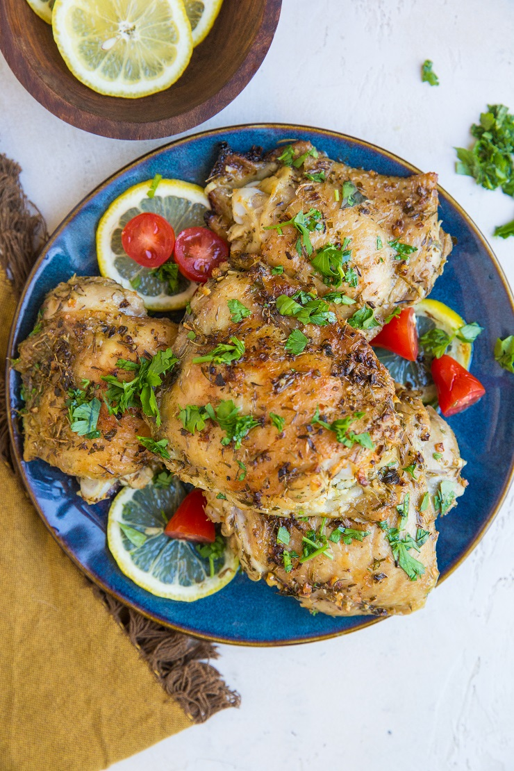 Easy Greek Chicken Recipe - quick and simple to prepare, loaded with fresh Mediterranean flavors for a delicious main entrée!