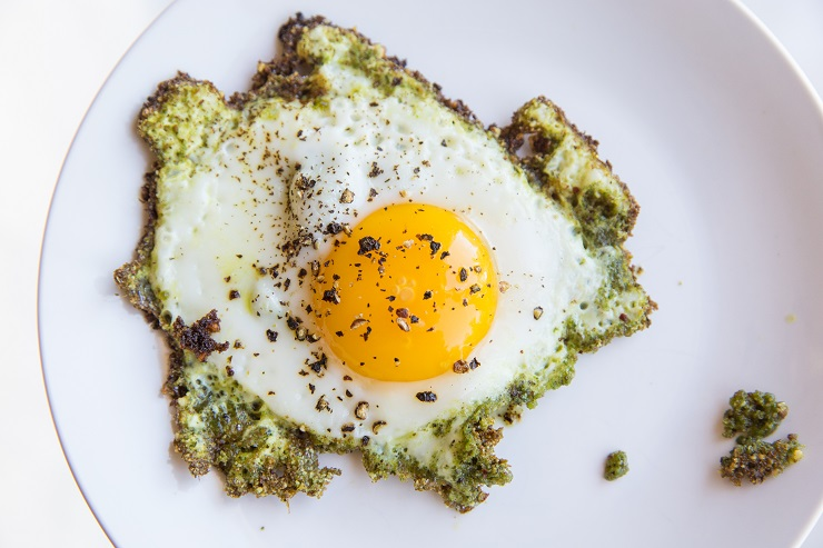 Transfer the pesto egg to a plate and repeat process for however many eggs you want