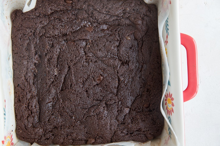 finished keto brownies in a cake pan