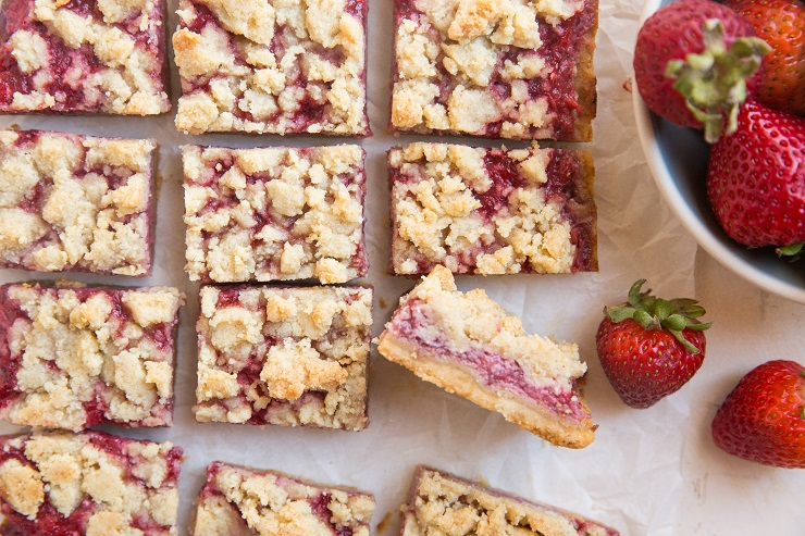 Keto Strawberry Crumb Bars made with just 5 ingredients! Grain-free, sugar-free and delicious!