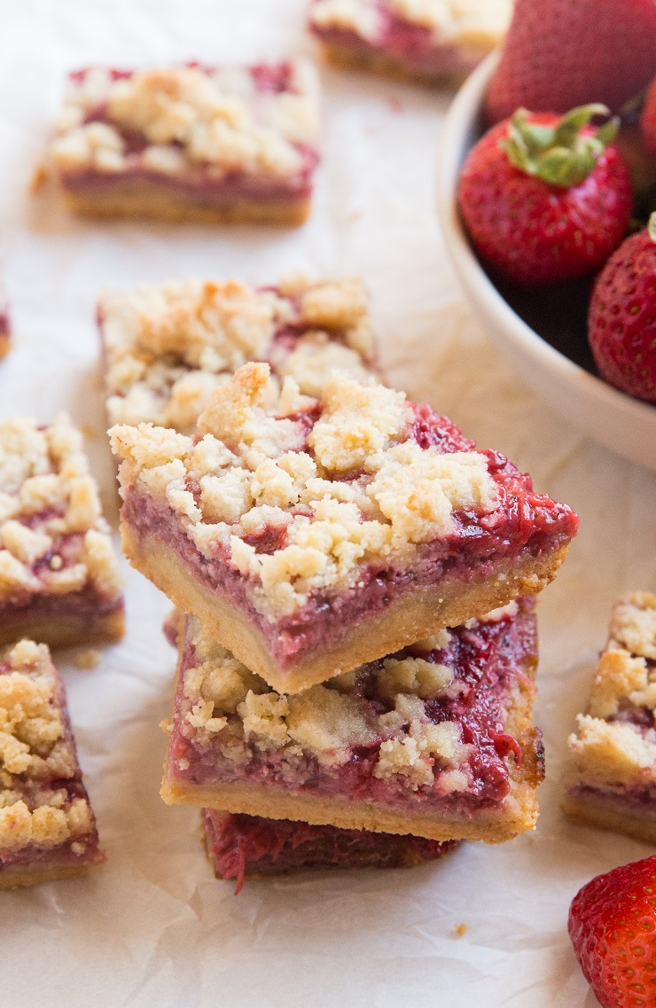 Keto Strawberry Crumb Bars made with 5 basic ingredients. Sugar-free, grain-free, easy, buttery and delicious!