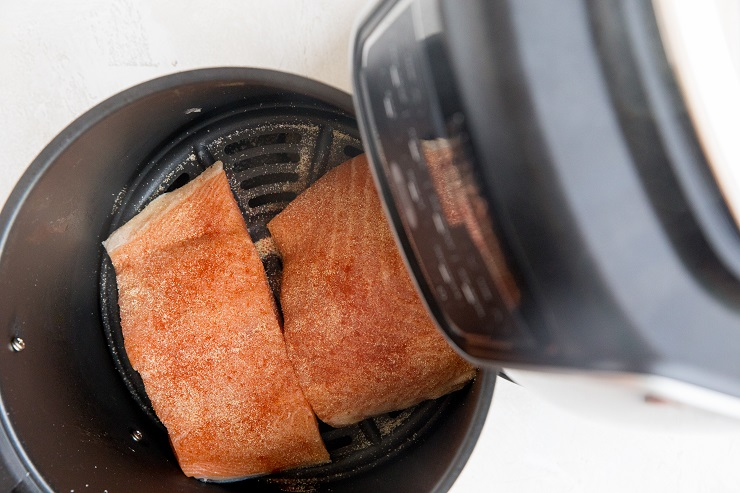 How to cook salmon in the air fryer
