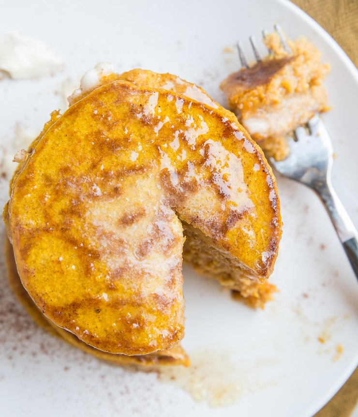 Fluffy Gluten-Free Protein Pumpkin Pancakes - gluten-free, flourless, dairy-free pancakes made with rolled oats. A delicious, healthy fall-inspired breakfast recipe