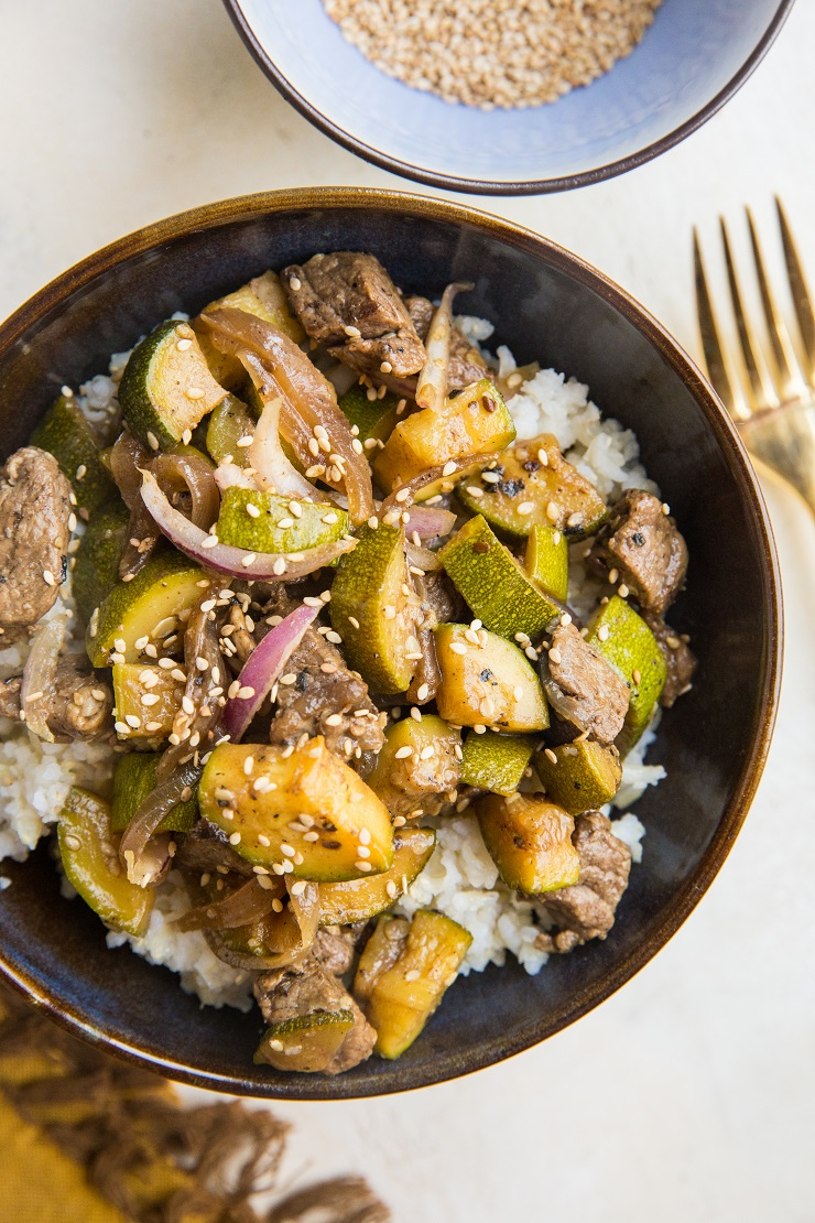 Quick and easy 5-Ingredient Teriykai Beef and Zucchini. Paleo, soy-free, refined sugar-free, so delicious!
