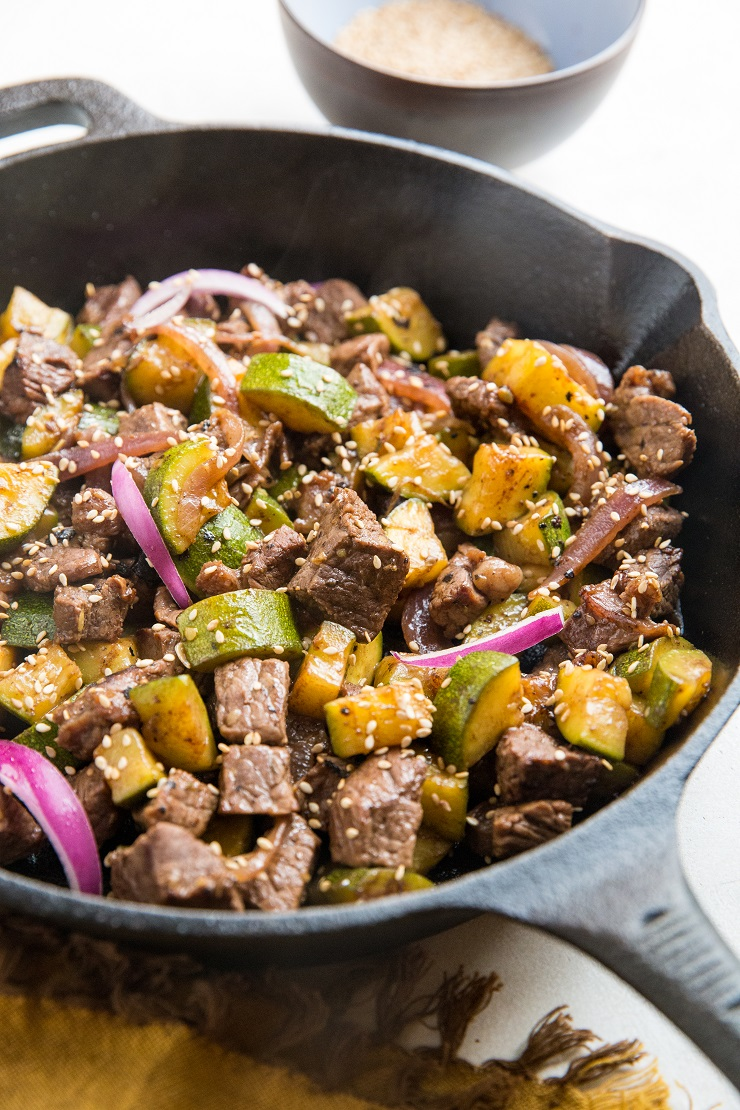 30-Minute Teriyaki Beef and Zucchini - a quick, easy 5-ingredient dinner recipe that is loaded with flavor and nutrients!