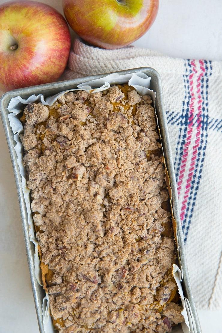 Apple Cinnamon Pumpkin Bread - gluten-free, dairy-free, refined sugar-free, healthy bread recipe!