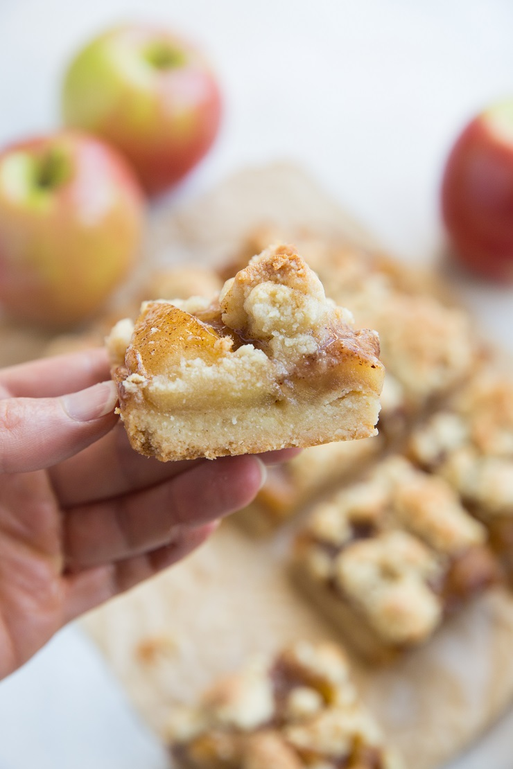 Vegan and Paleo Apple Crumb Bars made with almond flour and pure maple syrup. Grain-free, egg-free, dairy-free.